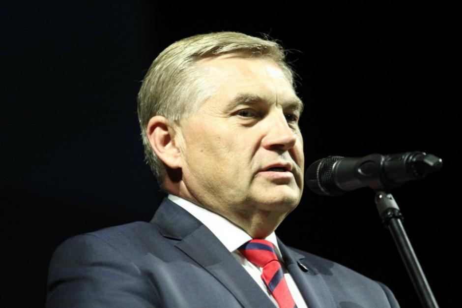 Nadzwyczajna sesja radnych zajmie się zarobkami prezydenta Białegostoku