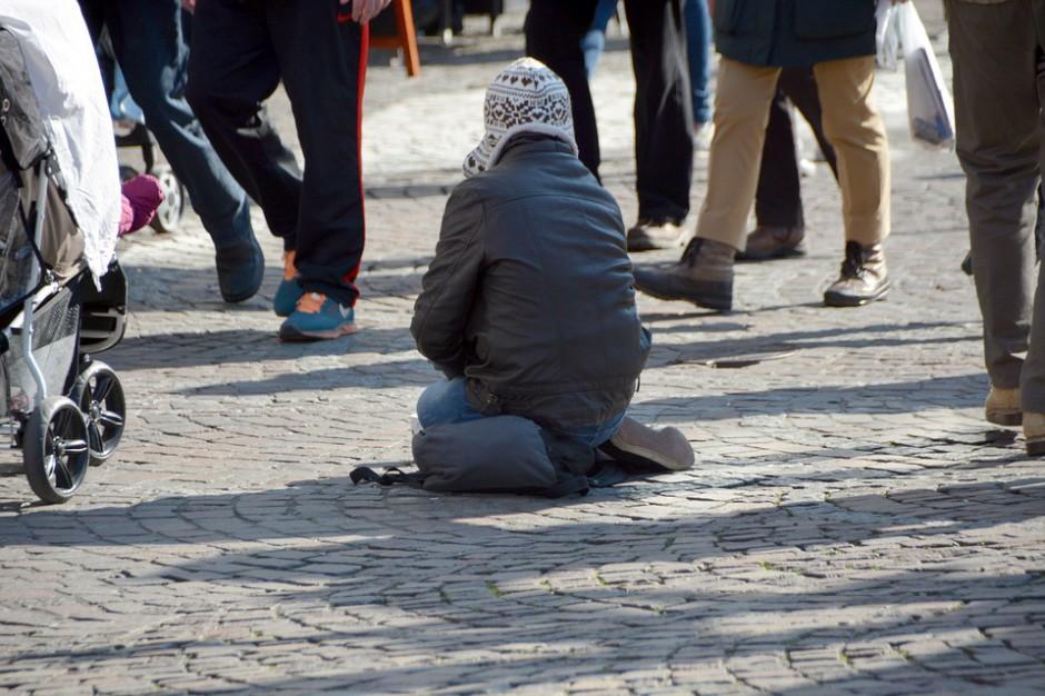 Podkarpackie: Wojewoda przeznaczyła 700 tys. zł na bezdomnych