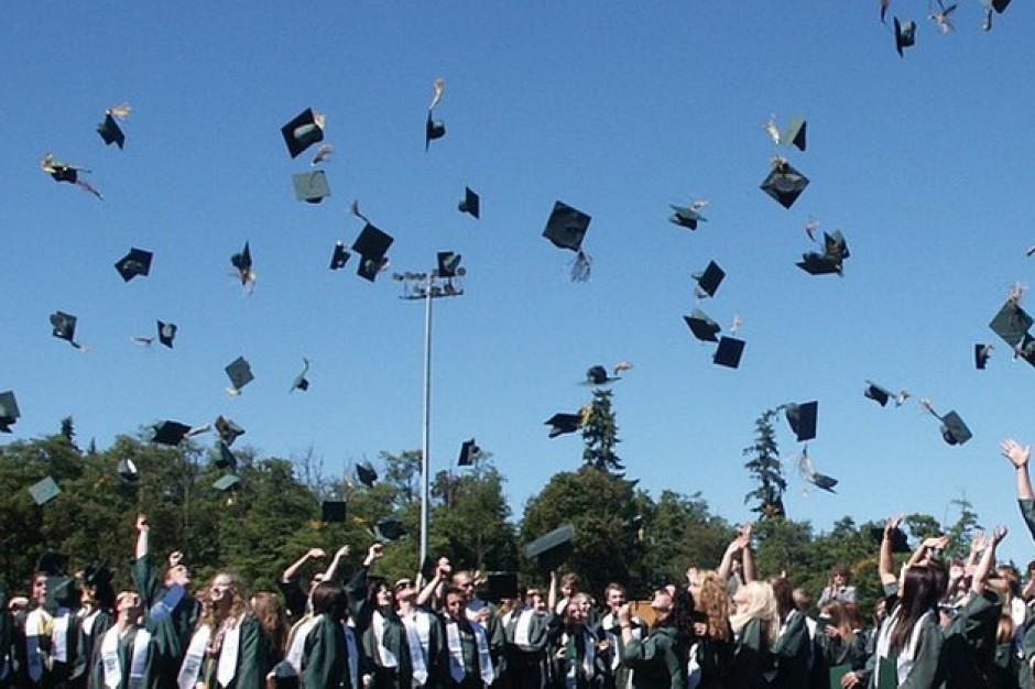 Koniec roku szkolnego dla maturzystów. Czas zacząć maturę... międzynarodową