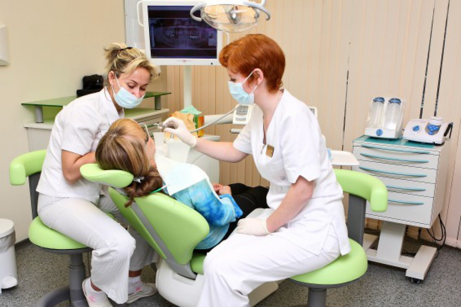 Dentysta w każdej szkole? W maju poznamy szczegóły