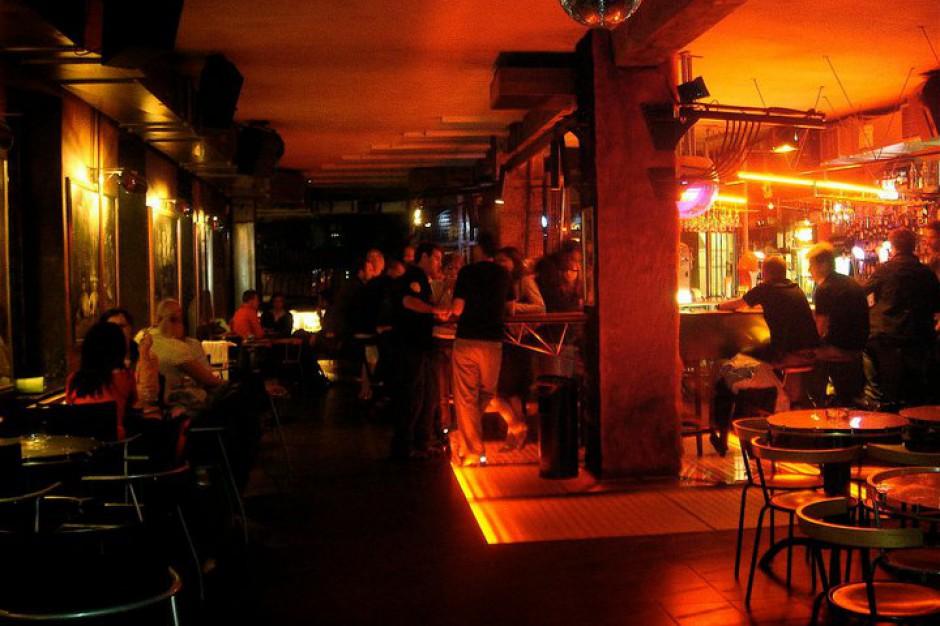 Łódź. Replika bufetu słynnego łódzkiego pubu na wystawie Expo w Astanie