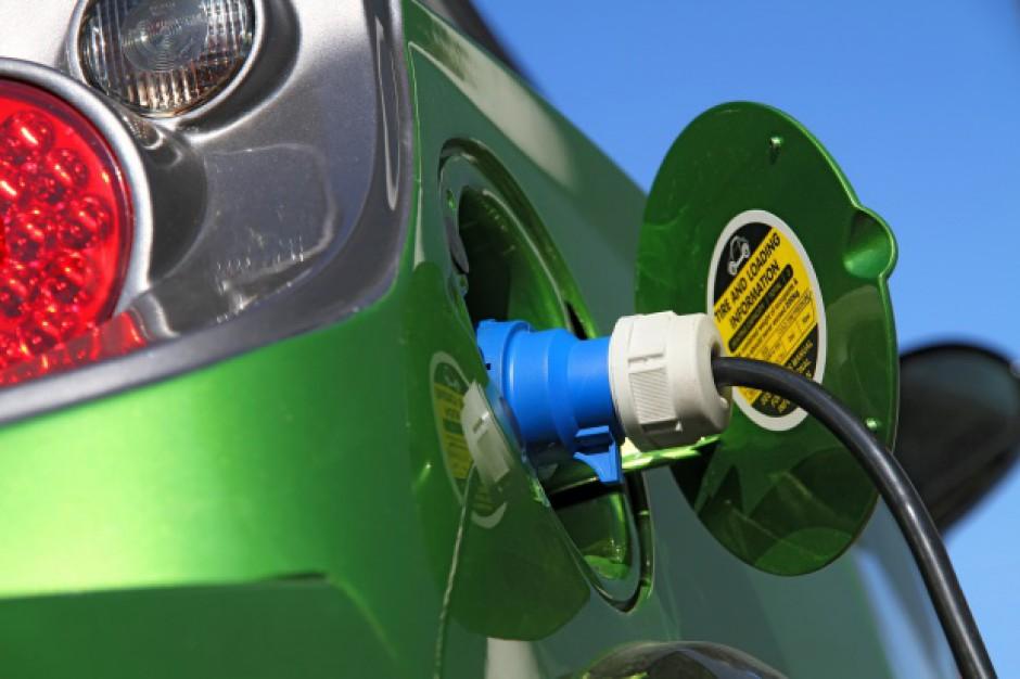 Rząd inwestuje w e-auta. Jest umowa na 40 mln zł