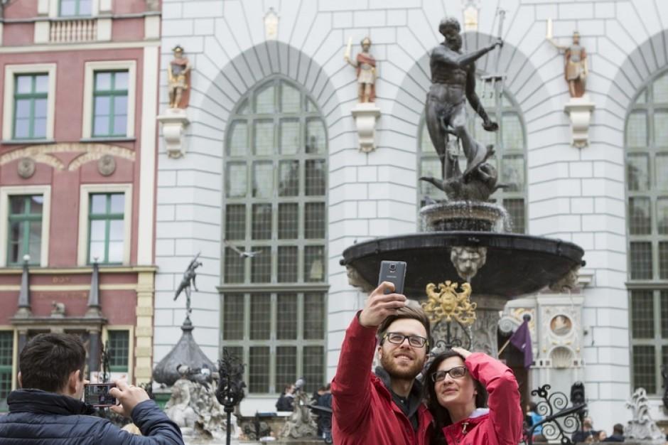 Coraz więcej turystów w Gdańsku. Co ich przyciąga?