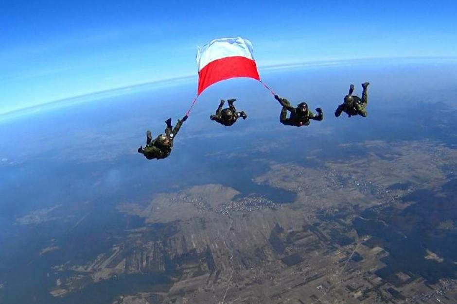 W całej Polsce uroczyście obchodzono Święto Flagi