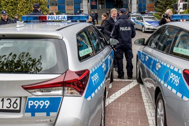 Śląsk: Policjanci będą jęździć ekologicznymi radiowozami. To ograniczy smog