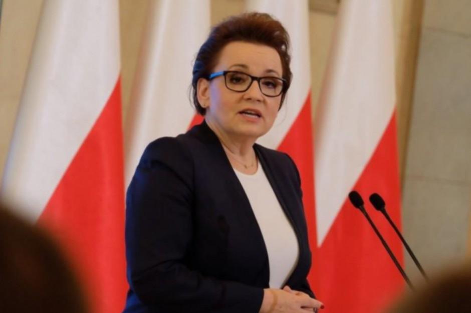 Anna Zalewska: troszczymy się o zwiększenie nakładów na oświatę