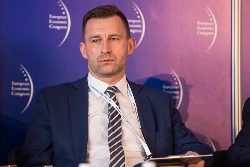 Prezydent Ełku Tomasz Andrukiewicz mówi, że miasto jako jedno z pierwszych w Polsce rozpoczęło program pilotażowy e-dowodu. (fot. PTWP)