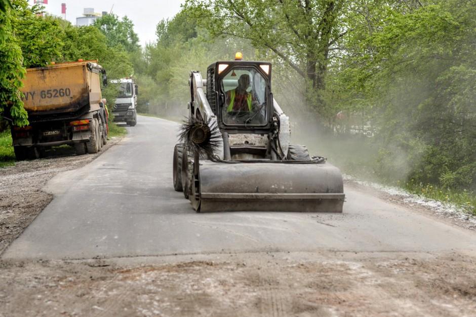 Warszawa: 20 mln zł na utwardzenie dróg gruntowych