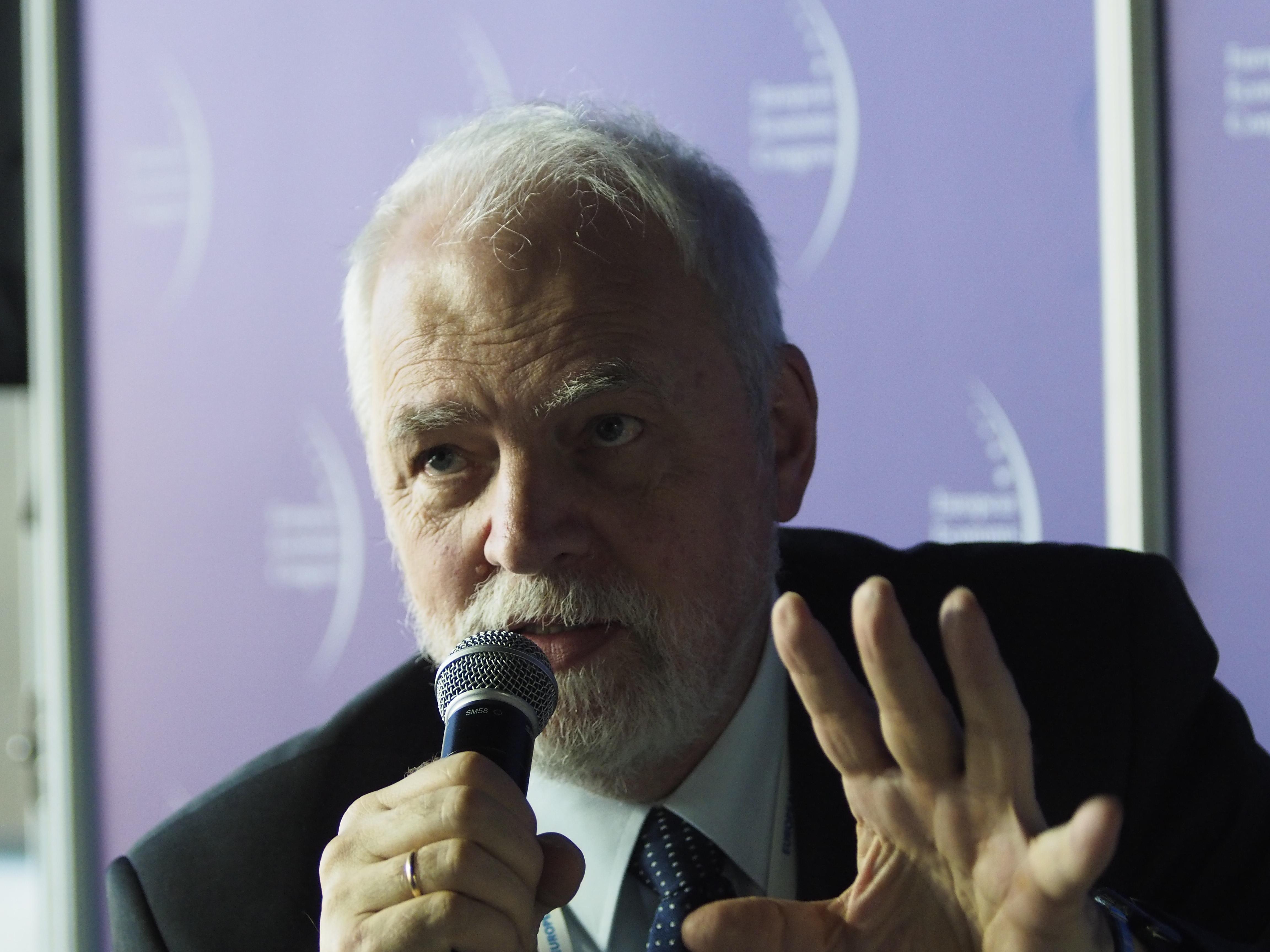 Poseł do Parlamentu Europejskiego Jan Olbrycht zwraca uwagę, że jesteśmy w ciekawym momencie funkcjonowania Unii Europejskiej. Fot. PTWP