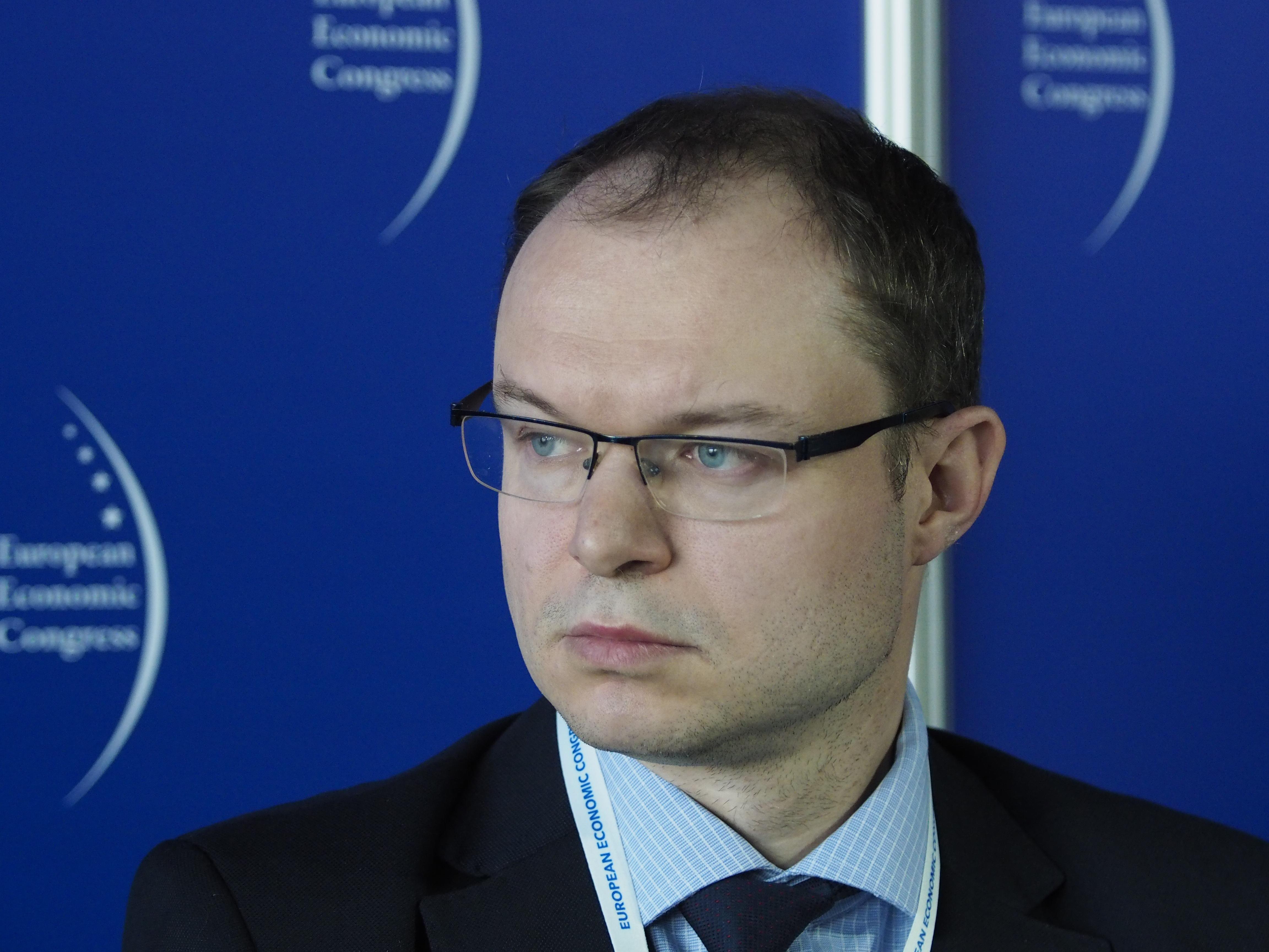 Marcin Kwasowski z Ministerstwa Spraw Zagranicznych zauważa, że w Unii Europejskiej występują dwa zasadnicze podejścia do budżetu wspólnotowego. Fot. PTWP