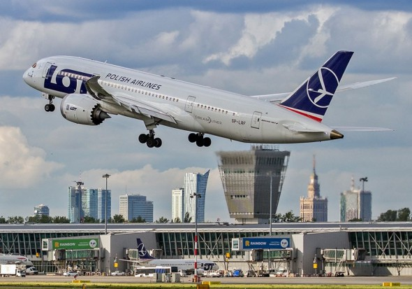 Centralny Port Lotniczy zamknie lotniska w Warszawie, Łodzi i Radomiu