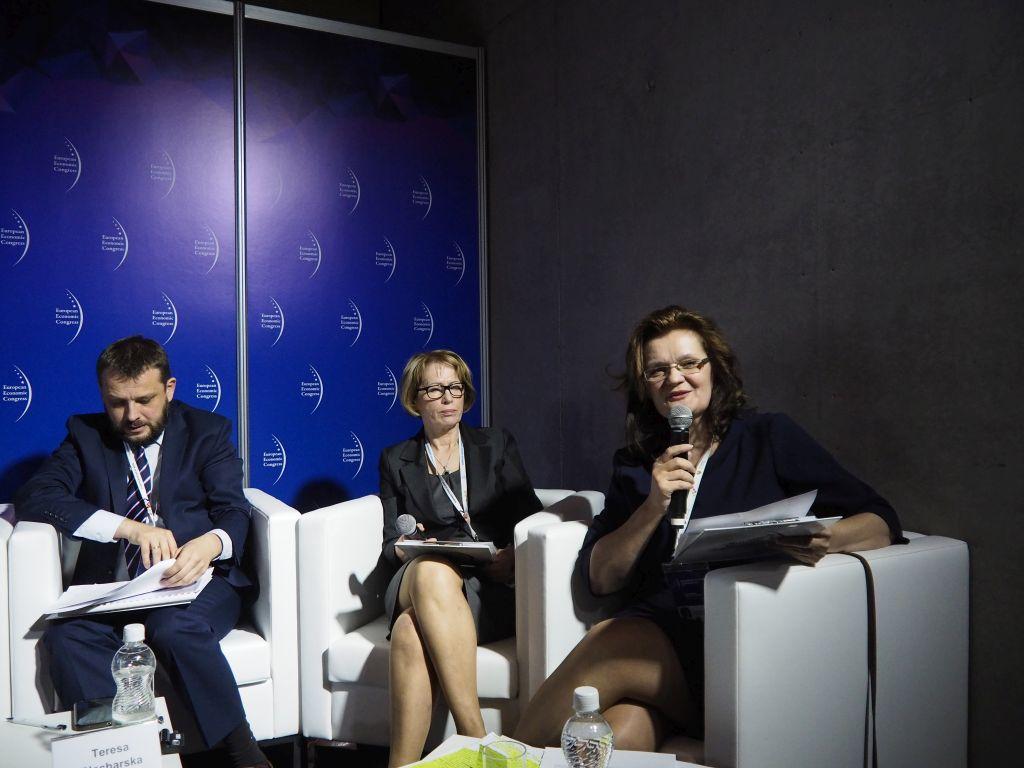 Od prawej: Danuta Kamińska, Teresa Blacharska i Andrzej Brzozowy.Fot. PTWP