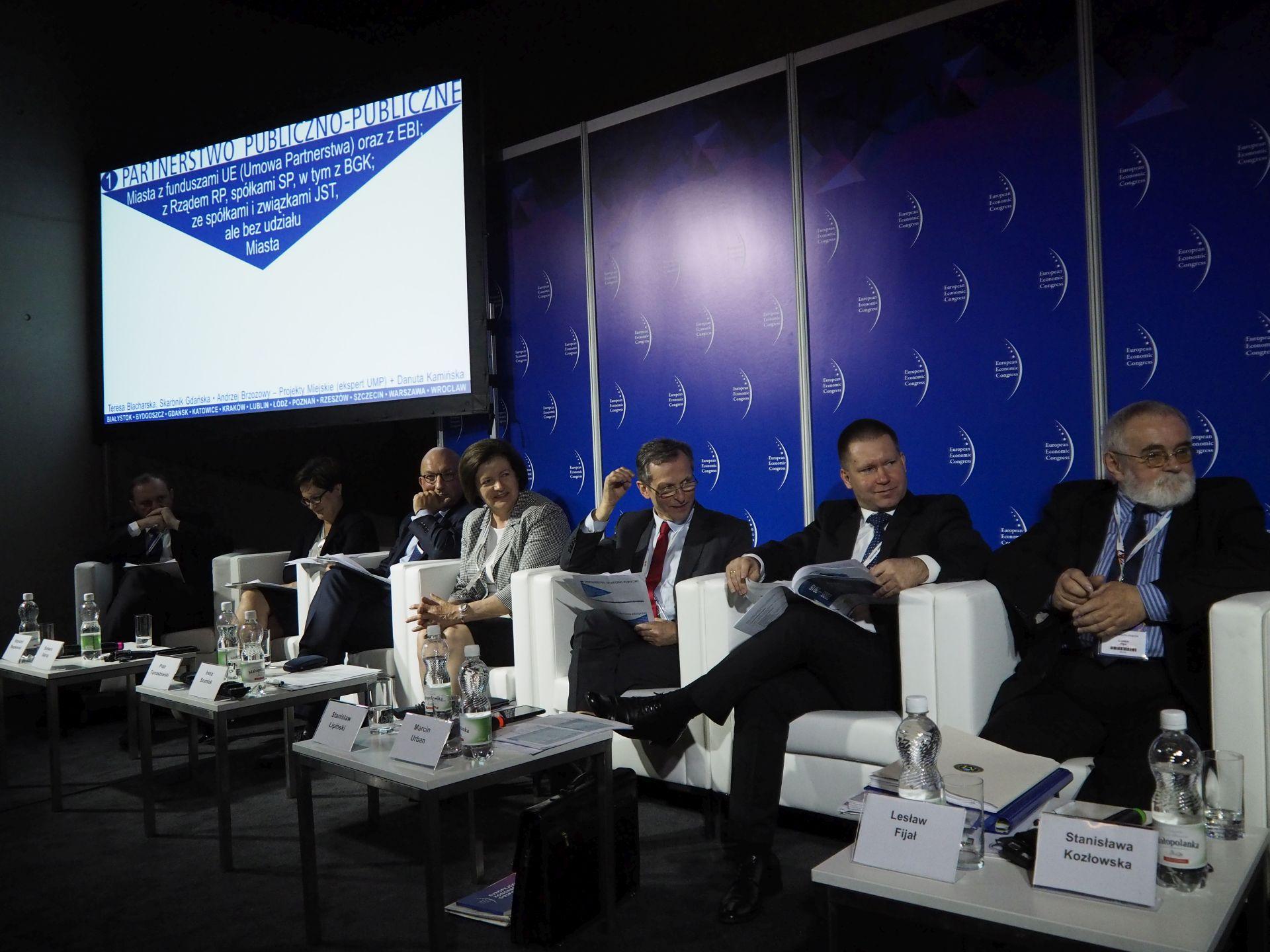 Od prawej: Lesław Fijał, Marcin Urban, Stanisław Lipiński, Irena Szumlak, Piotr Tomaszewski, Barbara Sajnaj i Krzysztof Mączkowski.Fot. PTWP
