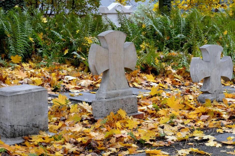 Poznań: Miasto będzie zarządzać cmentarzami