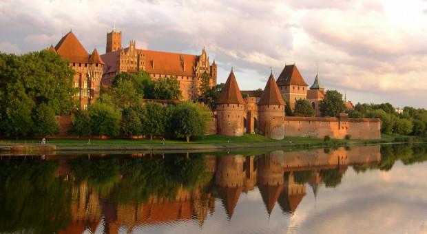 Zamek krzyżacki w Malborku będzie można zwiedzić za symboliczną złotówkę, źródło: pixababy.com