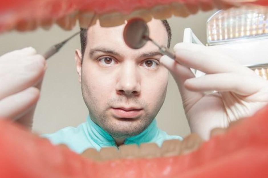 Dentysta: Więcej usług stomatoloigicznych będzie refundowanych