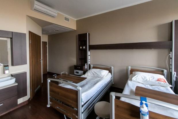 Resort zdrowia wycofuje termin dostosowania szpitali. Zdania podzielone