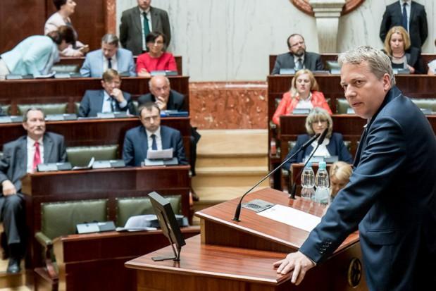 """Wojewódzcy radni poparli """"Kartę Samorządności"""""""