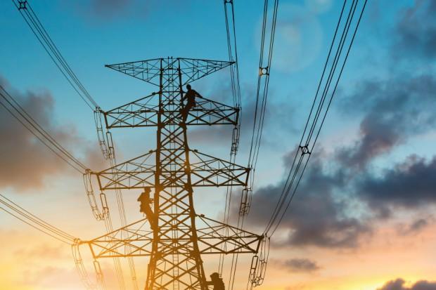 Brakuje fachowców w energetyce. Miasta likwidują rejony i posterunki