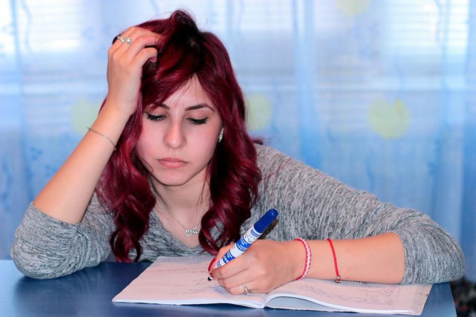 PISA: Polscy uczniowie coraz słabsi z wiedzy o finansach