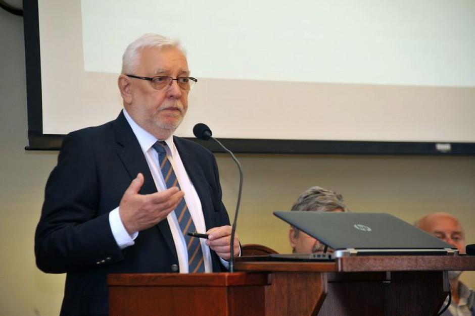 Jerzy Stępień: Dwukadencyjność to ograniczenie biernego prawa wyborczego