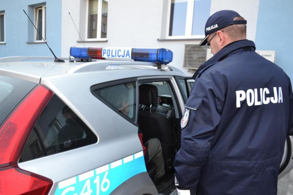 """Taksówkarze zniszczyli auto Ubera. """"Kraków daje ciche przyzwolenie na takie ataki"""""""