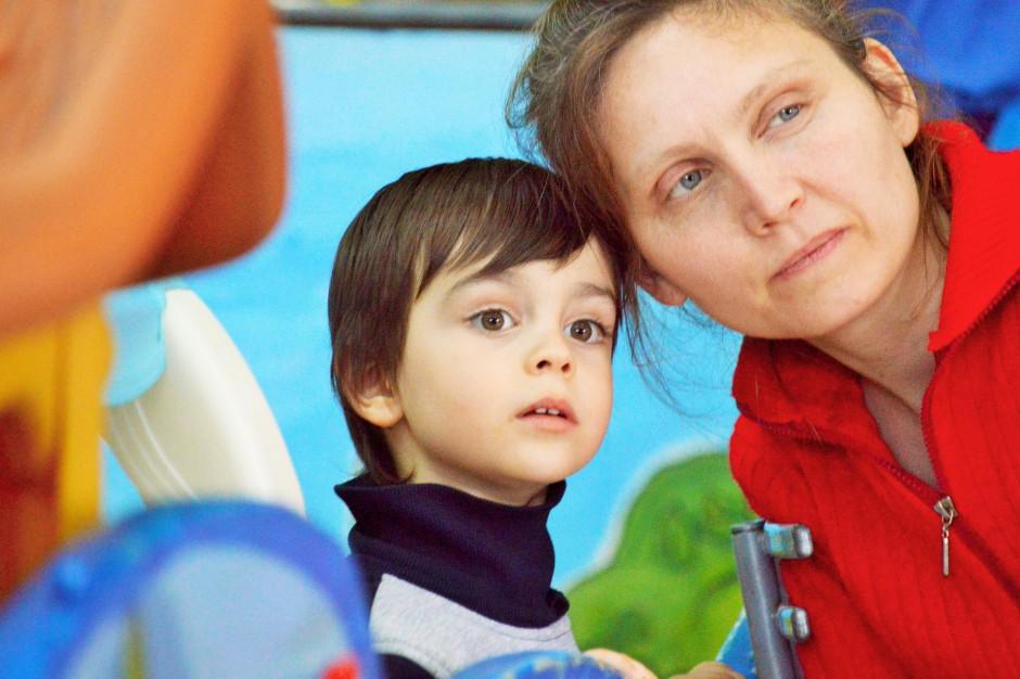 Macierzyństwo: Kobiety coraz później decydują się na dzieci