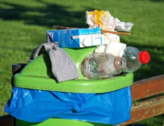 Nowe zasady selektywnej zbiórki odpadów. Jak miasta dyscyplinują mieszkańców?