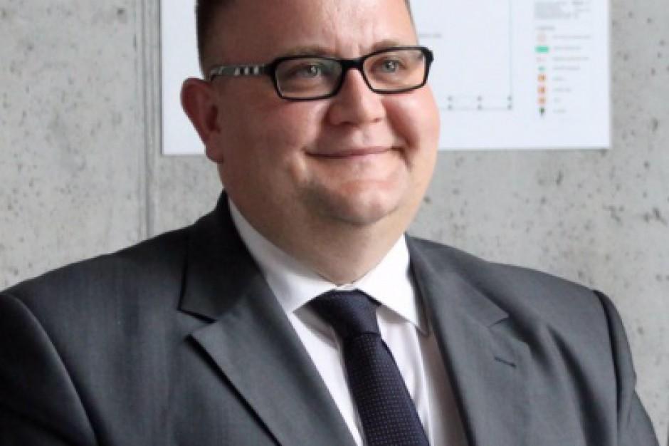 Członek zarządu województwa opolskiego Szymon Ogłaza (fot. facebook)