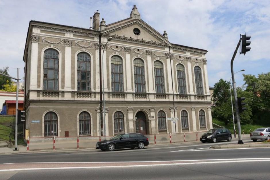 Powiat jarosławski kupi zabytkowy gmach. Szuka mecenasów kultury