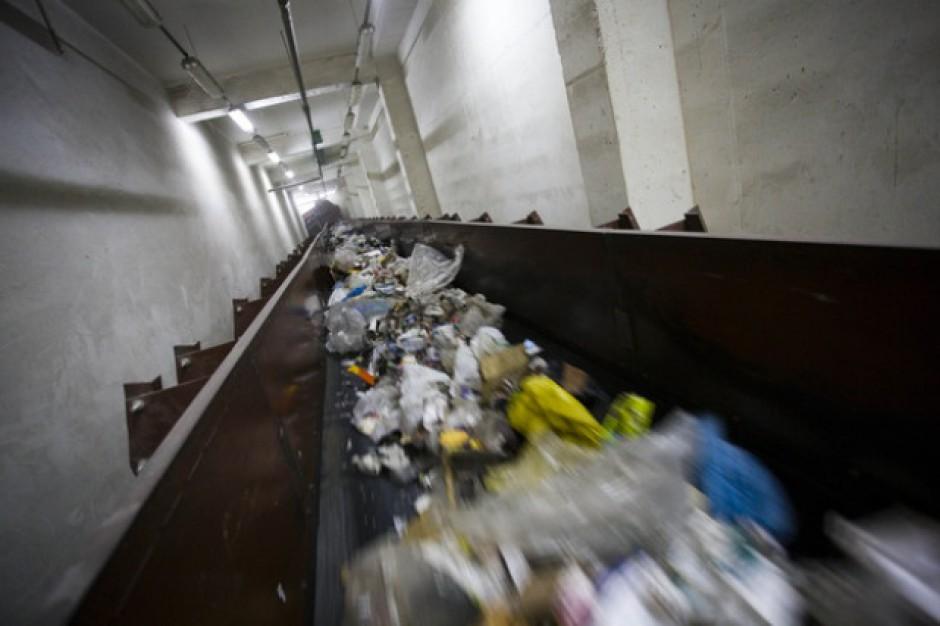 Unijne pieniądze na gospodarkę odpadami przenoszone są na inne działania
