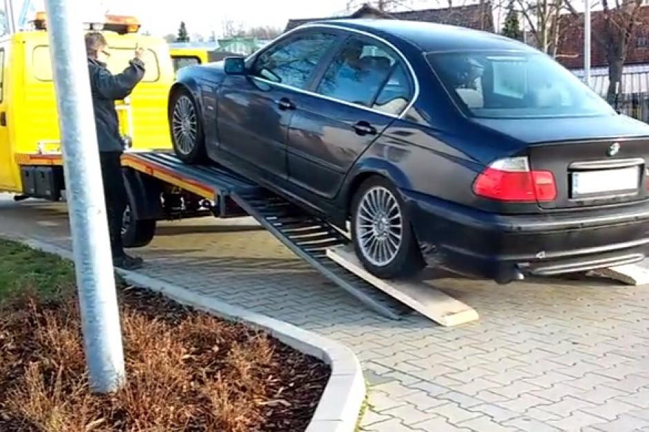 Gdynia: Opłaty za odholowywanie pojazdów wbrew przepisom Prawo o ruchu drogowym