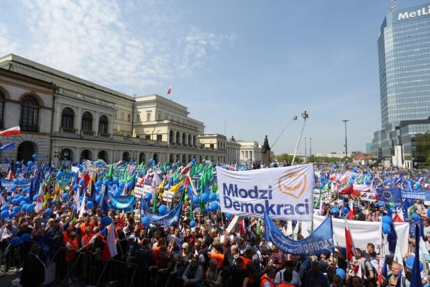 RIO pyta samorządowców o wydatki na Marsz Wolności