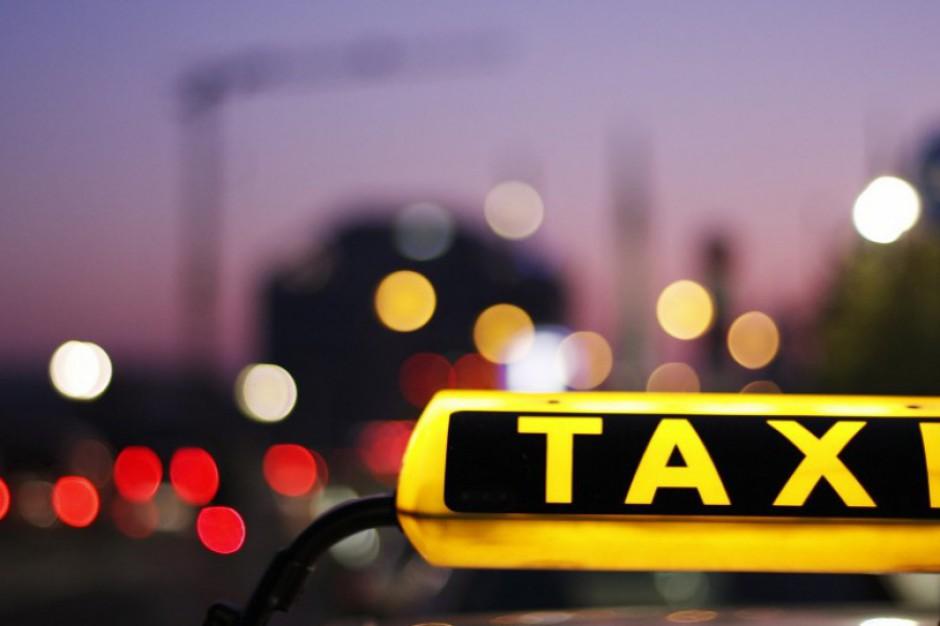 Warszawa stoi. Taksówkarze protestują przeciwko nielegalnym przewoźnikom