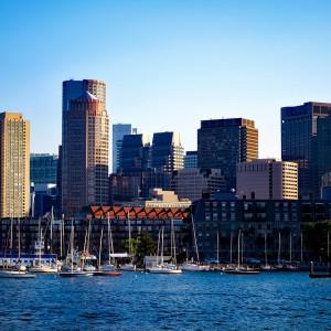 """Miejsce 5 - Boston. Zdaniem autorów zestawienia w ostatnich latach można mówić wręcz o rozkwicie przedsiębiorczości w tym mieście. Wskazują też na wysoki poziom szkolnictwa wyższego, aczkolwiek zauważają też, że w porównaniu do rankingu z 2016 roku miasto spadło o dwa """"oczka"""".   Fot. pixabay.com"""