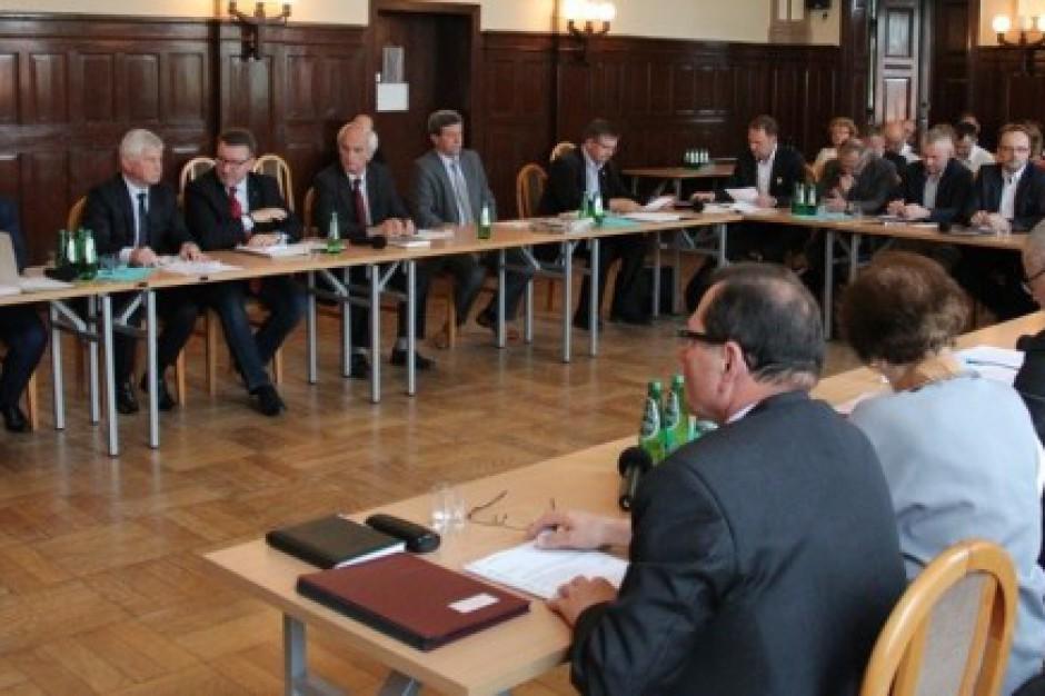 Karta Samorządności podzieliła radnych z powiatu pszczyńskiego