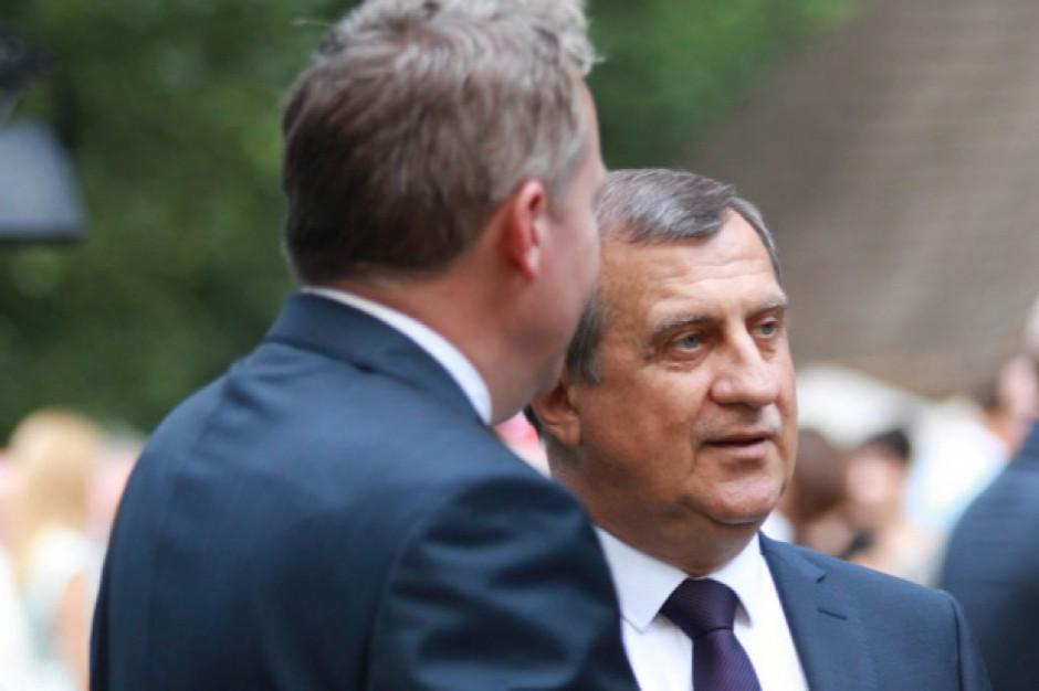 Andrzej Dziuba o władzach metropolii: Tylko nie polityk