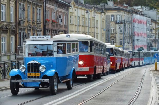 Kraków, komunikacja miejska: Parada z okazji 90-lecia komunikacji autobusowej