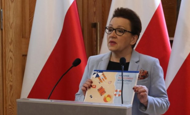 Anna Zalewska apeluje o zorganizowanie zajęć w szkole nt. bezpieczeństwa w wakacje