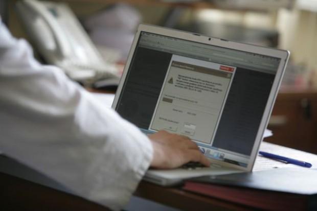 Elektroniczne skierowania i recepty: Informatyzacja w szpitalach i w przychodniach przyspiesza