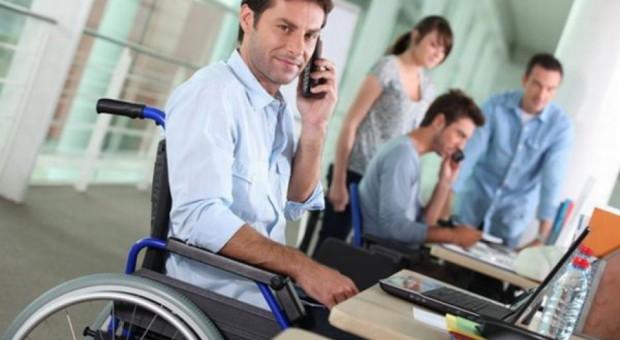 W Częstochowie pracę znalazło 700 osób. Dlaczego inni nie stosują klauzul społecznych?