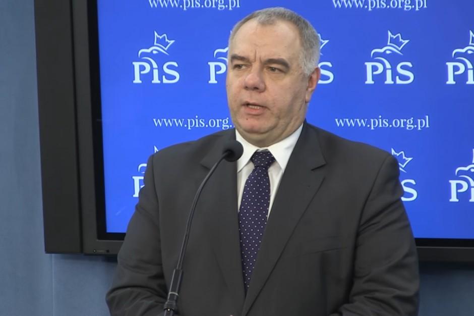 Jacek Sasin chce uchwał rady miasta ws. budowy pomników L. Kaczyńskiego i ofiar katastrofy