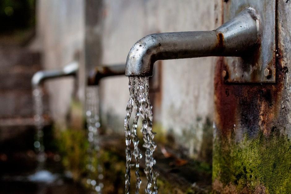 W gmienie Chęciny część mieszkańców pozbawiona jest wody pitnej z wodociągu