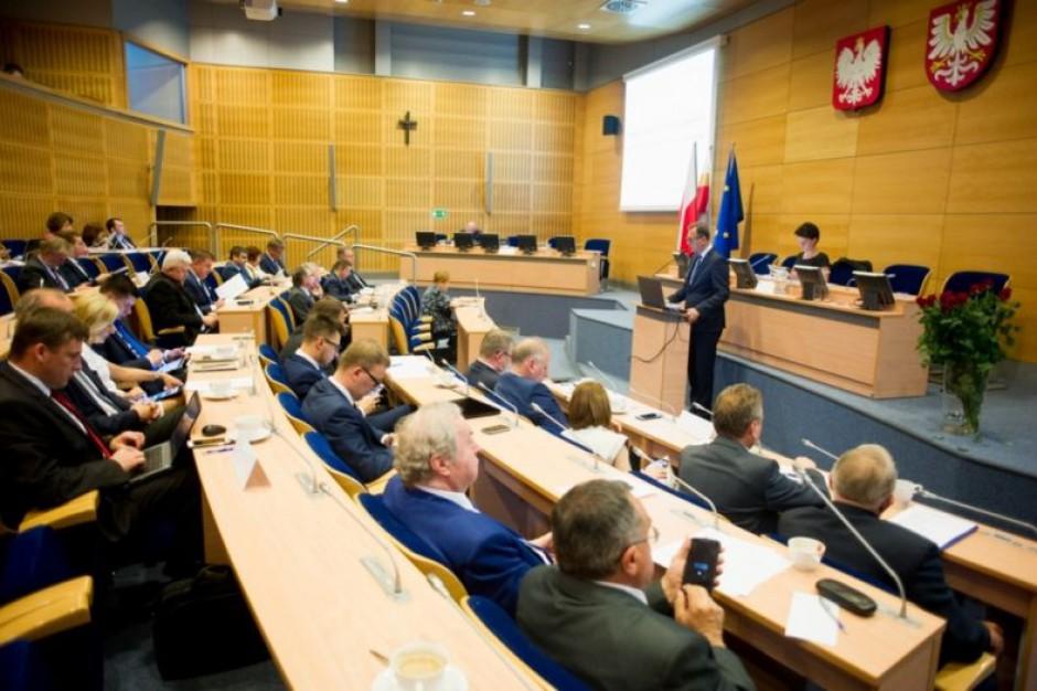 Małopolska: Większość radnych za absolutorium