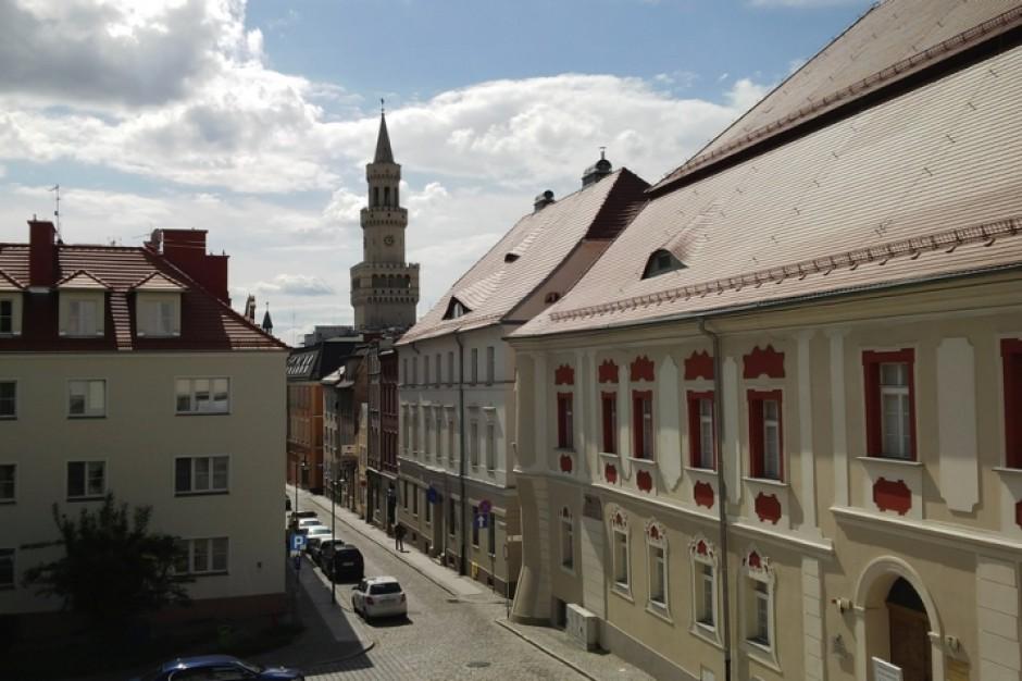 Opole: Lewica chce określić zasady wynagradzania w jednostkach poległych ratuszowi