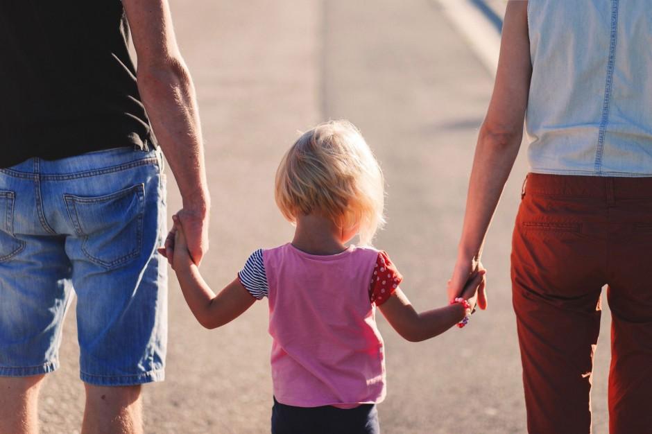 Budżety rodzin coraz większe. Dzięki dobrej sytuacji na rynku pracy i 500 plus