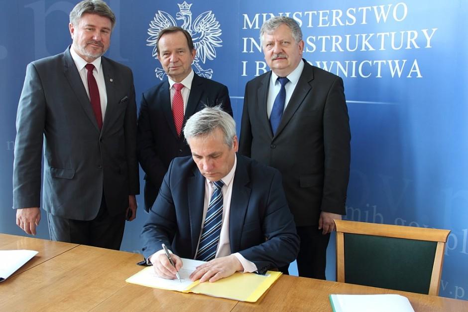 Ministerstwo Infrastruktury inwestuje w drogi w podkarpackim, śląskim, warmińsko-mazurskim