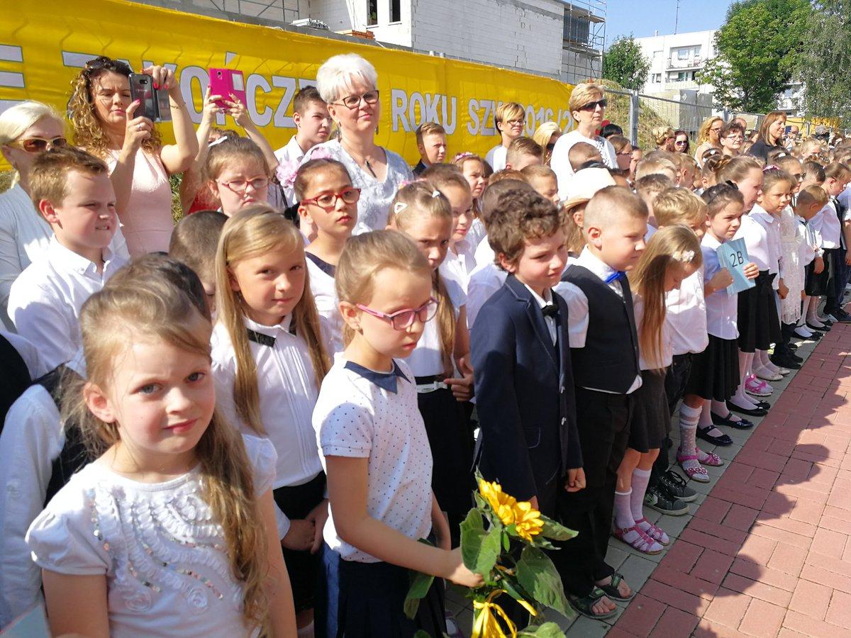 Minister dziękowała uczniom, nauczycielom i rodzicom za pracę w kończącym się roku szkolnym (fot.twitter.com/MEN_GOV_PL)
