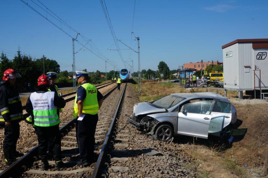 """Łódź: wystartowała ogólnopolska akcja PKP PLK """"Bezpieczne piątki"""""""