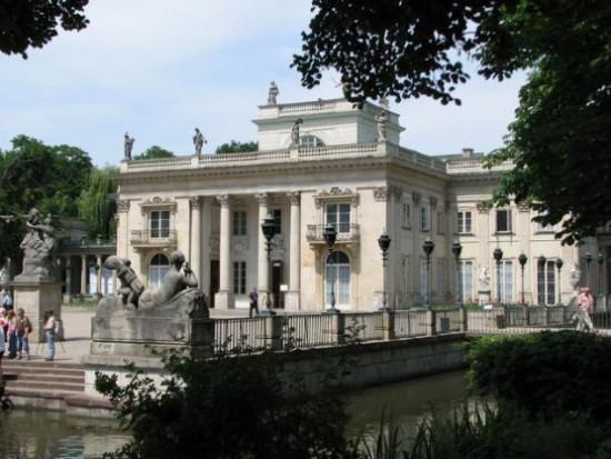 Warszawa: Miasto przeznaczy 19 mln zł na prace konserwatorskie w miejskich zabytkach